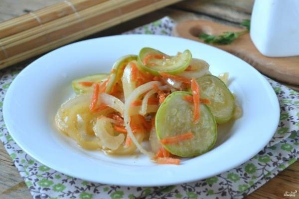 Кабачки по-корейски - очень простое и вкусное блюдо